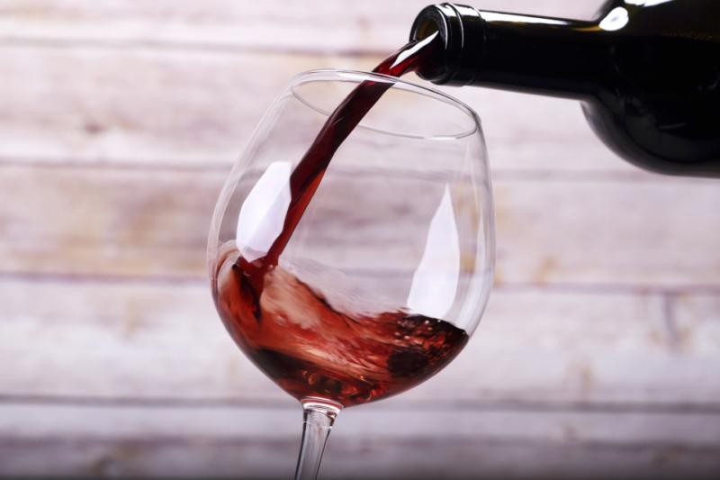 Con lo Yogawine, corpo e spirito all'assaggio del vino