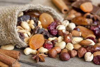 cibo ferro frutta secca