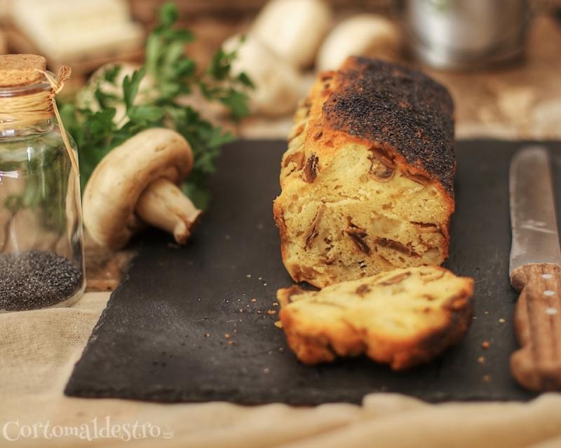 Plumcake ai funghi con caprino fresco e semi di papavero 1