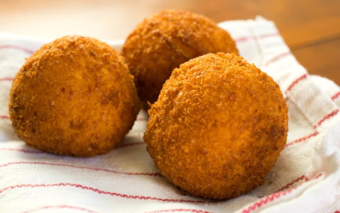 arancini cibo siciliano