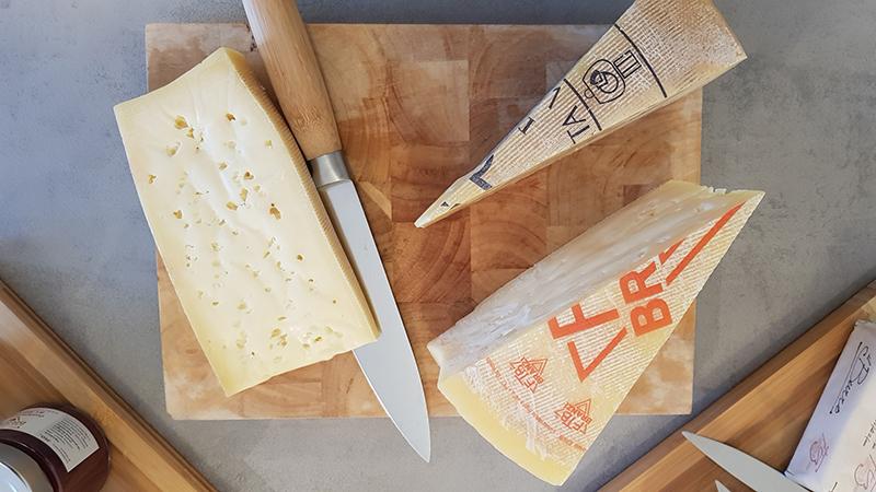 Dall'Alta Val Brembana la Latteria di Branzi custode dei formaggi della tradizione bergamasca 3